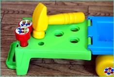 обычная и развивающая игрушка