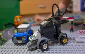 Машинки из деталей лего